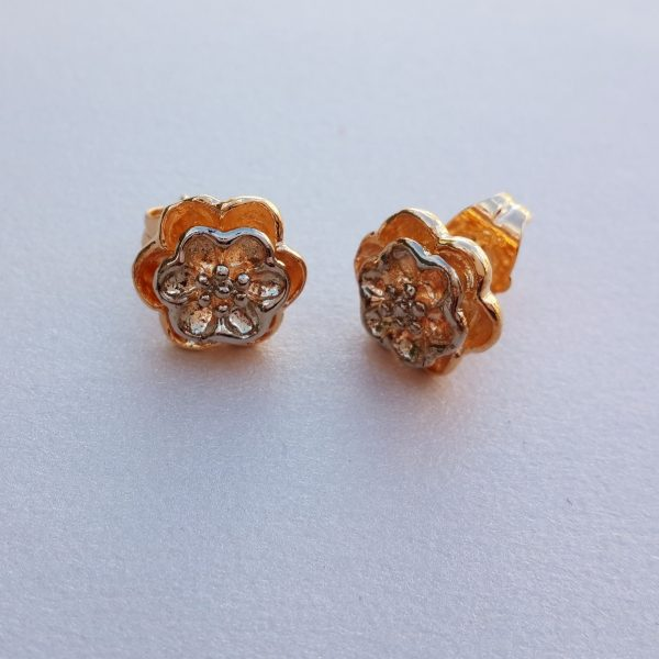 Flower Stud Earrings 2 Tone 9K Gold Plated Pic 1